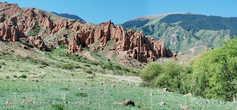 степные горы Торайгыр «Красные скалы»