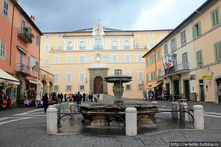 Площадь Piazza della Libe