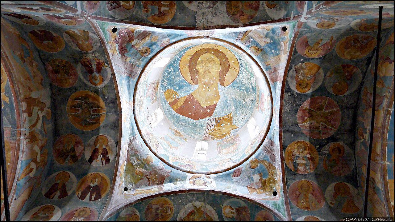 Ферапонтов монастырь. Фрески Дионисия — «Радуйся!»