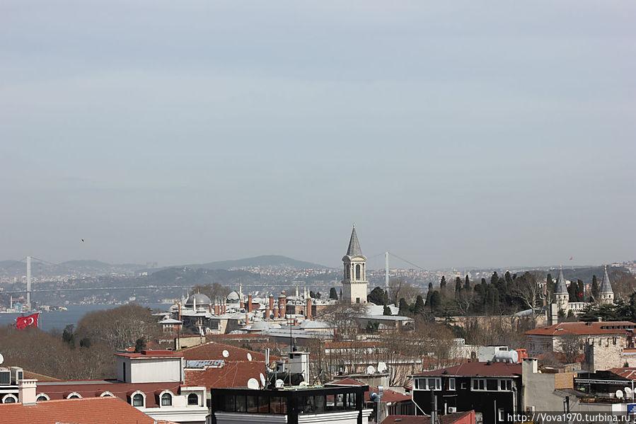 Дворец Топкапы и Босфорский мост.