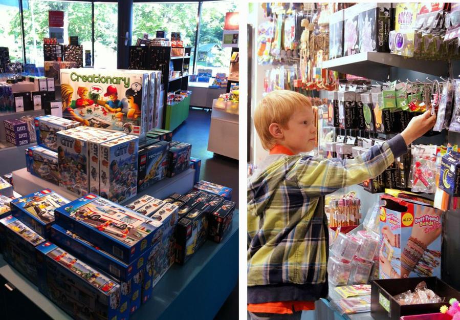 Магазин головоломок. Рай для пацанов, ужас для родителей, пересчитывающих — сколько же все это будет в рублях.
