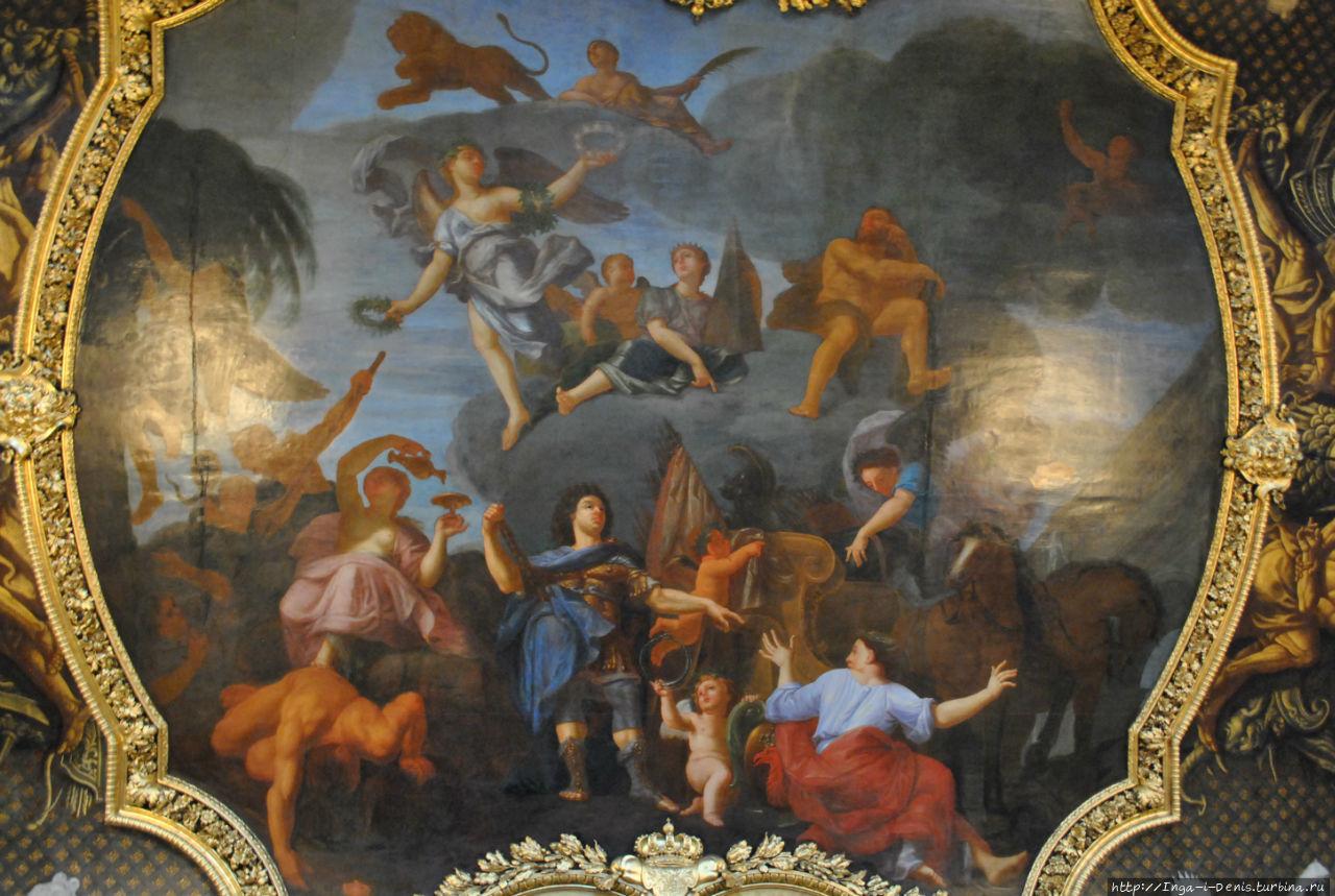 Потолочные росписи зала К