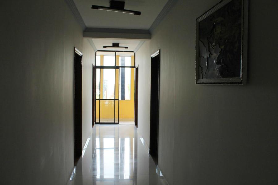 в корридоре 2-го этажа