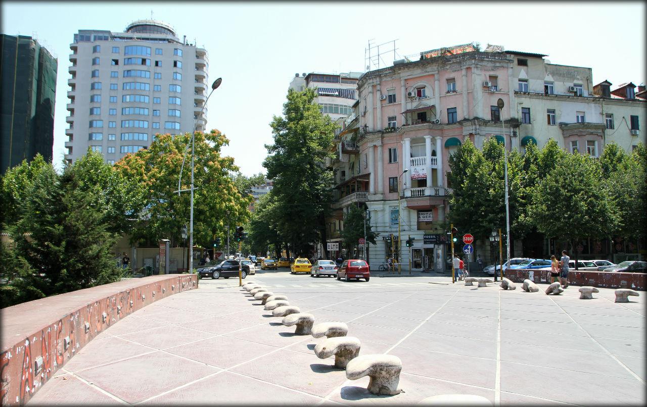 Непопулярная столица Тирана, Албания