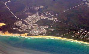 Восточное побережье Австралии — рай для серфингистов — маленькие городки, теплый океан, хорошие волны и ветер.
