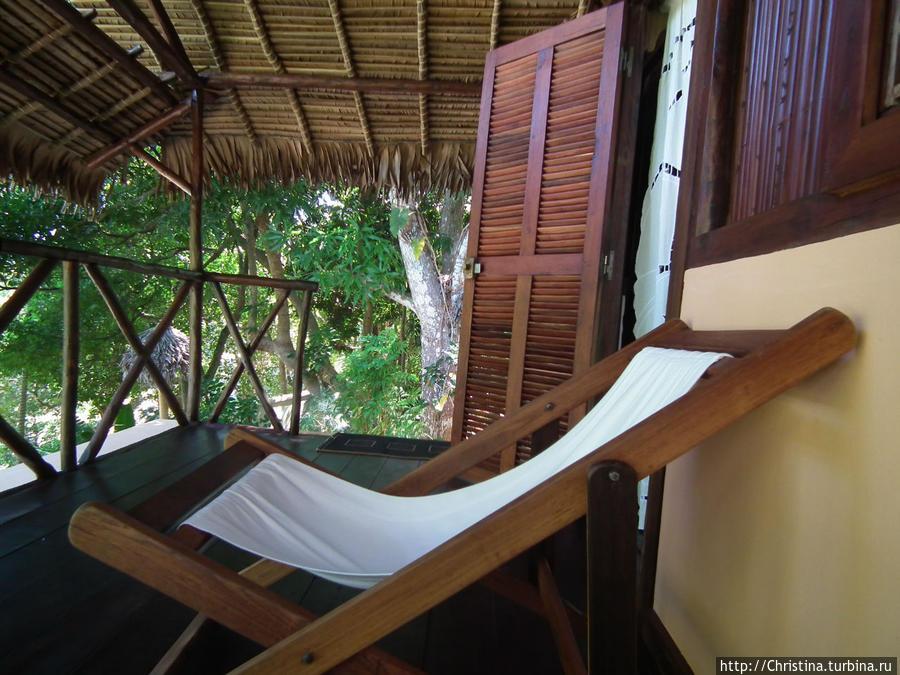Могу отметить, что в вилле и на балкончике всегда было все чисто убрано. Никаких претензий к персоналу! Все было замечательно.