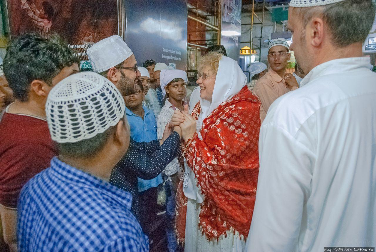 Дарга Низамуддина Дели, Индия