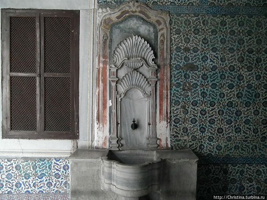 Посещение гарема во дворце Топкапы в Стамбуле