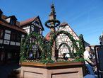 Пасхальное украшение городского фонтана