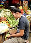 Филиппинцы сами обеспечивают себя овощами, выращивая  капусту нескольких видов, салат, помидоры, морковь, сладкий картофель, тыкву, огурцы и многое другое, что нам знакомо. Только порою выглядят их овощи немного иначе.