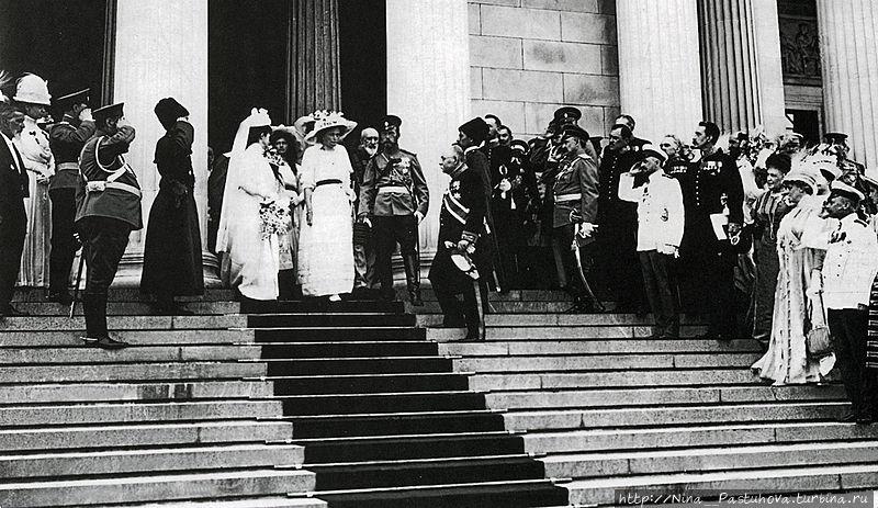 Открытие Музея искусств (Изобразительных искусств им. Пушкина. И. Цветаев рядом с Николаем II. фото из интернета