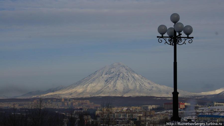 Корякский вулкан от Свято-Троицкого Собора