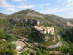 В самой высокой точке города — на холме Сьерро дель Сокорро установлен памятник — монумент. Это