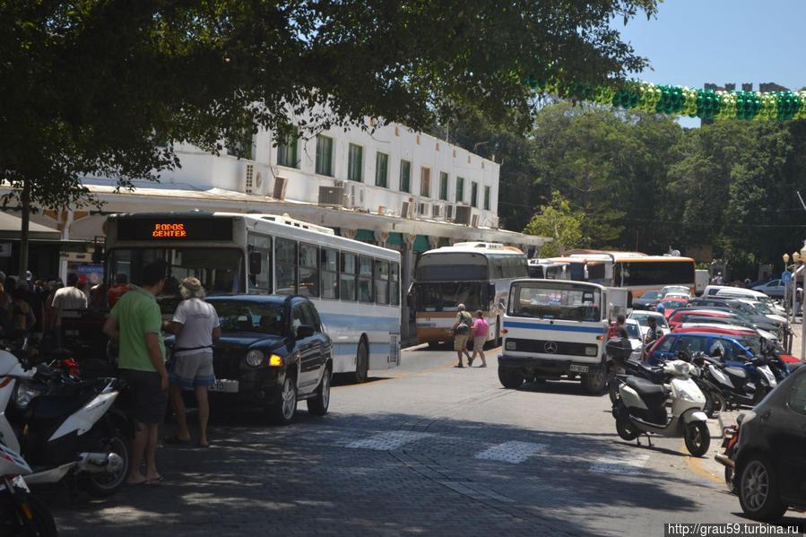 Автобусы между двумя автовокзалами