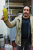 А вот и бутылочка специально для нас! Честно признаюсь: ТАКОГО масла я не пробовала ни разу в жизни, а ведь живу на Сицилии не первый месяц...