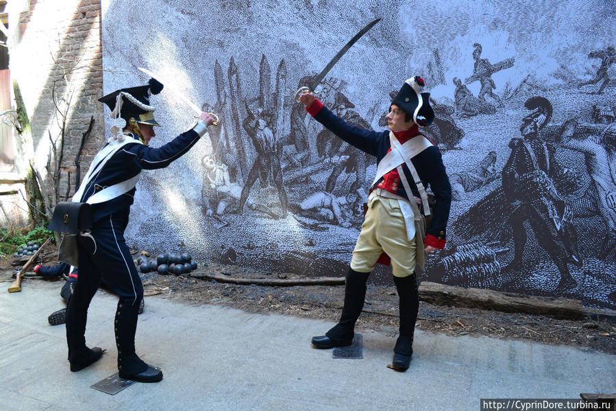 Здесь же выставка посвященная войне 1812 года