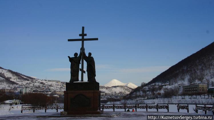 Памятник Святым апостолам