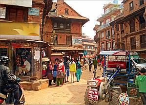 Рыжий город Бхактапур 21 века. Напомню, что сейчас в Непале идет 2070-й год