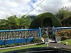 Забавный домик хоббита на подъезде к Силао