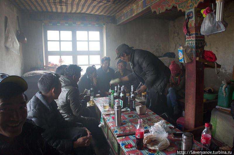 Гестхауз у монастыря Дира Пхук, обеденный зал