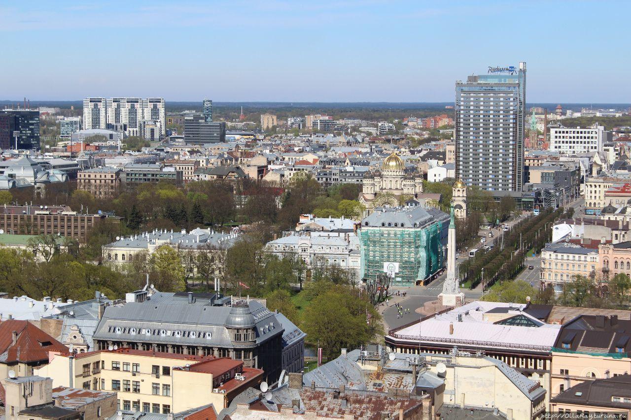 В Radisson на 26 этаже находится ещё одно панорамное место — бар Skyline. Рига, Латвия