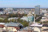 В Radisson на 26 этаже находится ещё одно панорамное место — бар Skyline.