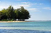 На пляже Анини. Хороший спокойный пляж, из-за  окружающего его кораллового рифа вода тихая, даже когда сильный ветер. Купались здесь дважды, и дважды видели морскую черепаху.