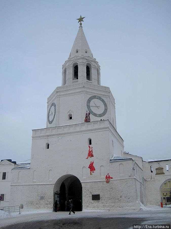 Спасская башня — центральный вход в Казанский Кремль