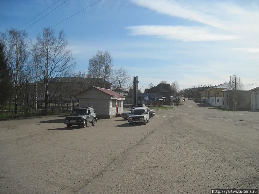 Фрагмент Торговой площади в направлении Комсомольской улицы. Солигалич, Россия