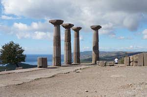 Развалины   храма   Афины.