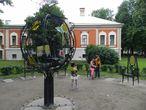 о чем стулья на петропавловской крепости интересную публикацию