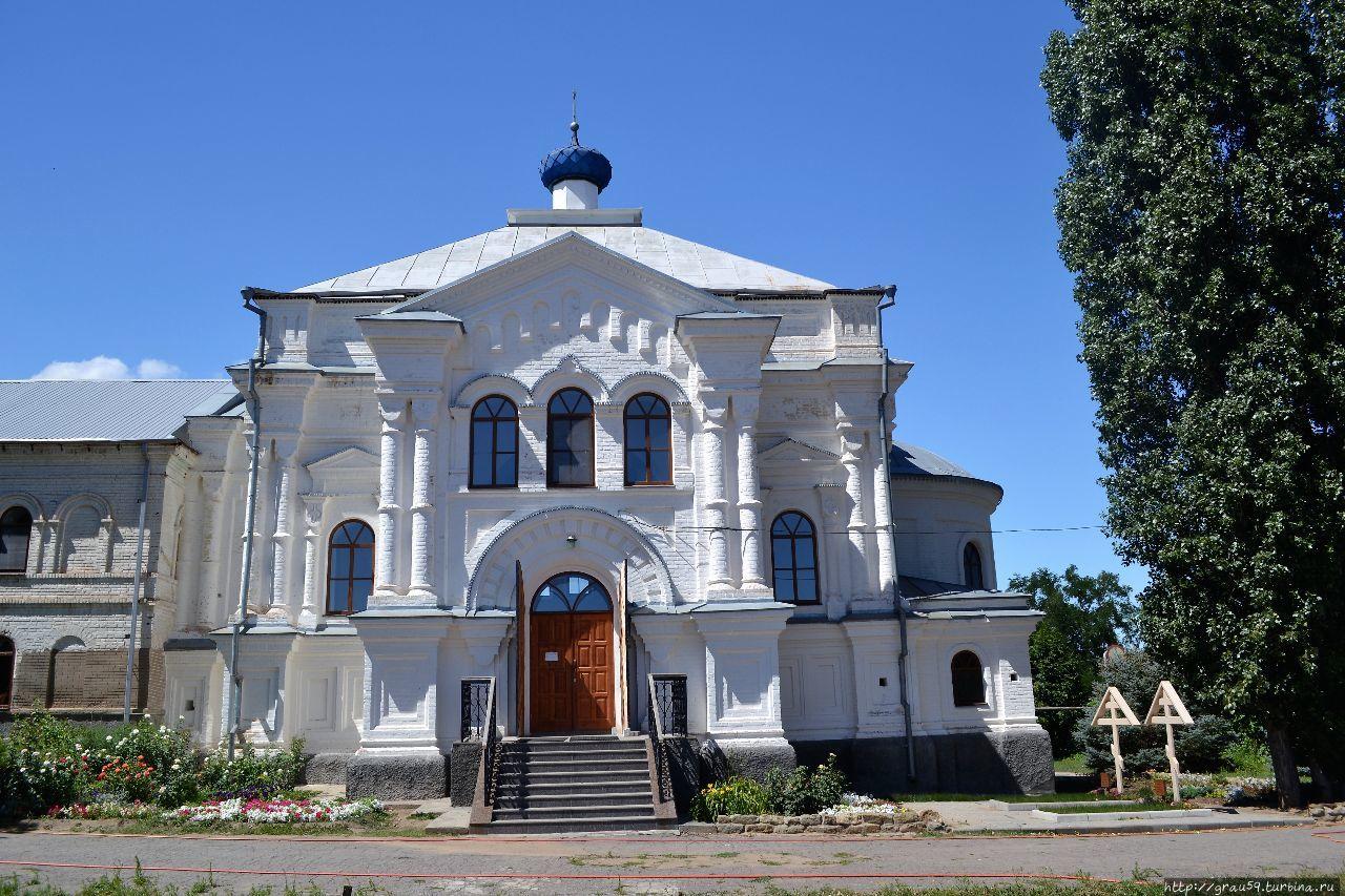 Провинциальный монастырь главнее областного храма