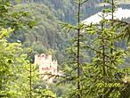 Вид на сосоедний замок.