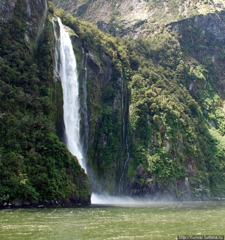 Под поток водопада Stirli