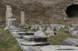 Руины   нижних   террас.