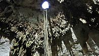Когда то через это отверстие в верхней части купола синот фонтанировал, сейчас в него пробрались корни деревьев.