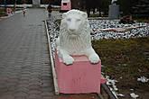 Правый лев у входа. Автор П.А. ЯКУШЕВ