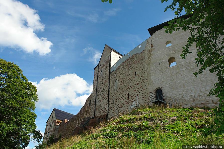 Средневековый замок Кастельхольм