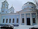 цвет этой церкви был идеален для снежного наряда этих симпатичных улочек и переулочков