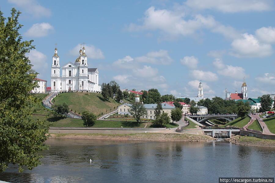 После реставрации церквей город преобразился кардинально.