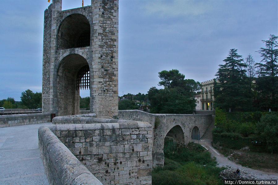 Мост Бесалу Бесалу, Испания