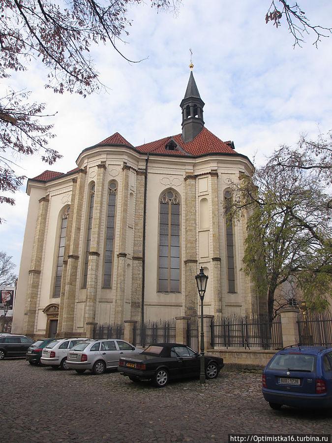 Костел Святого Роха на территории Страговского монастыря