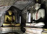 Если внимательно присмотреться, то выражения лица всех Будд абсолютно разные