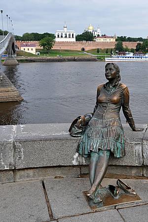 … На набережных Великого Новгорода.