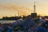 Балхашцы отдыхают, рыбачут и купаются оставляю за собой кучи мусора.