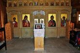 Убранство церкви вполне православное, иконы, свечки, можно ставить за здравие.