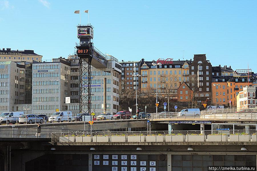 Лифт и мост с набережной-развязки.