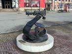 Скульптура, посвященная медиахолдингу ОТВ