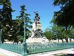 Памятник Даоису и Веларде