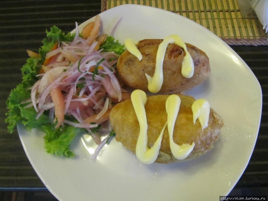 Закуска в поезде из Мачу-Пикчу